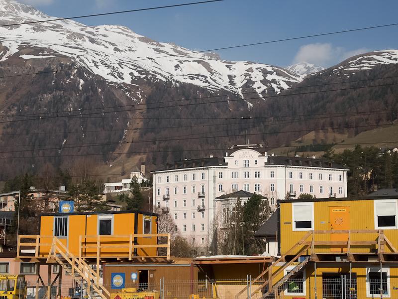 A Hotel Bernina épülete Sam fotó