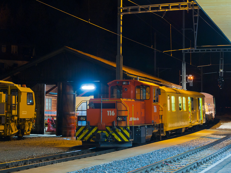 The track maintenance crew was preparing for the night at Bergün/Bravuogn photo