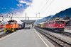 Uncoupling a freight car from a Scuol-Tarasp to Pontresina Regio at Samedan