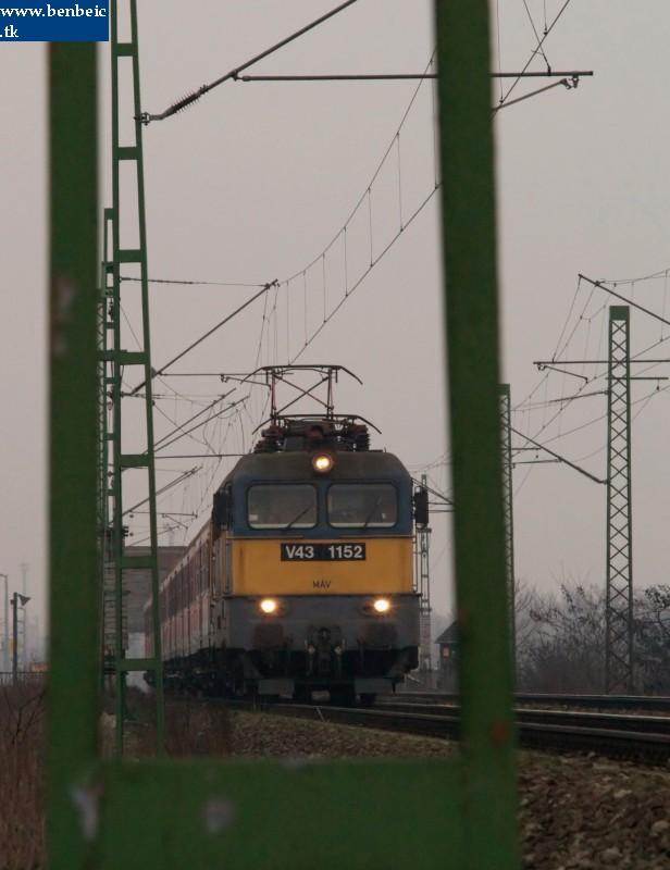 V43 1152 a Déli összekötõvasúti hídnál fotó