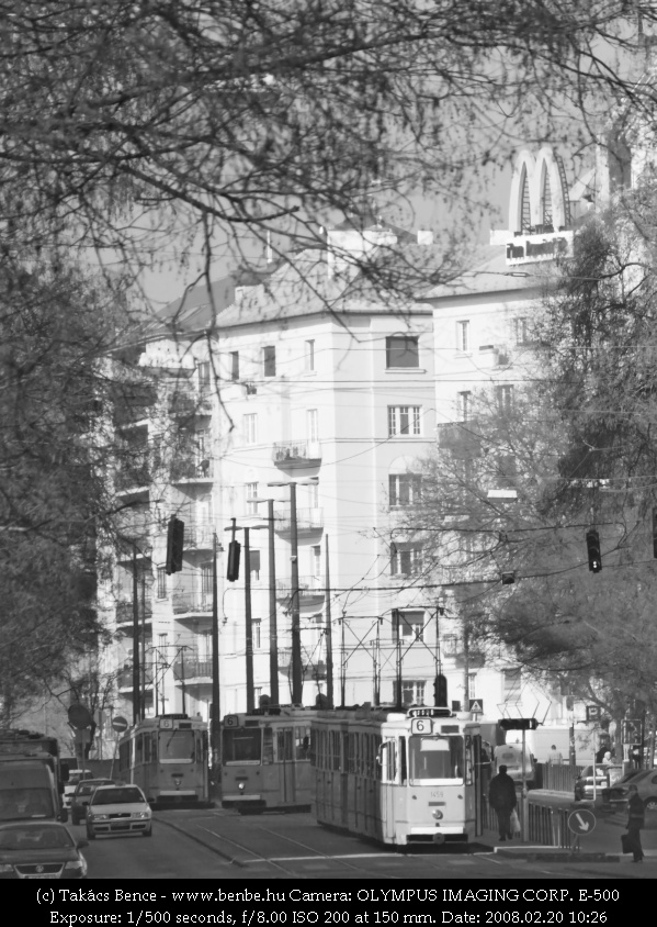 Három ICS a Móricz Zsigmond körtéren fotó