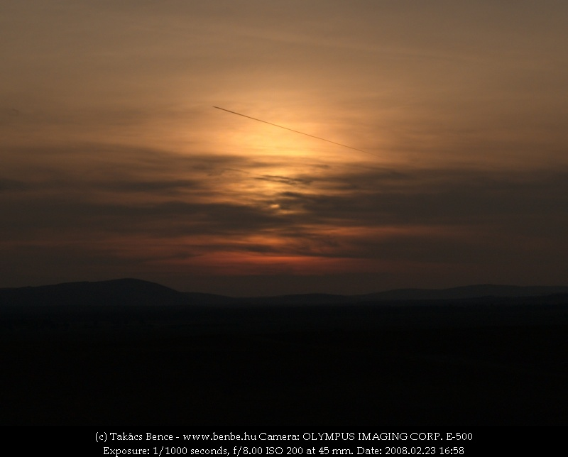Repülõs naplemente fotó