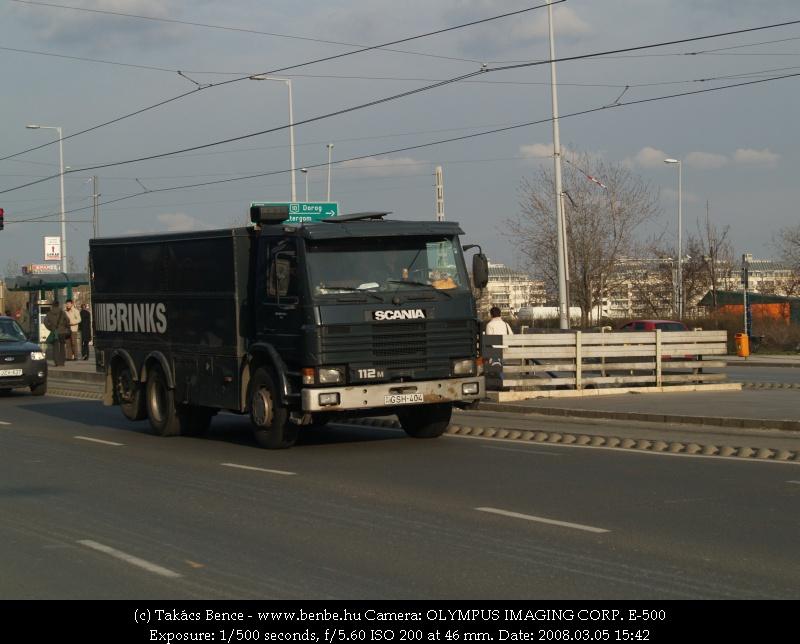 Brinks golyóálló biztonsági teherautó fotó