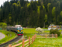 The UŽ M62 1380 seen between Ворохта and Татарів