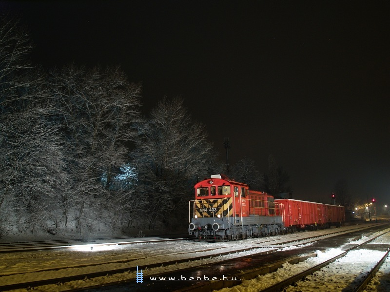 The M44 403 at Pilisvörösvár photo