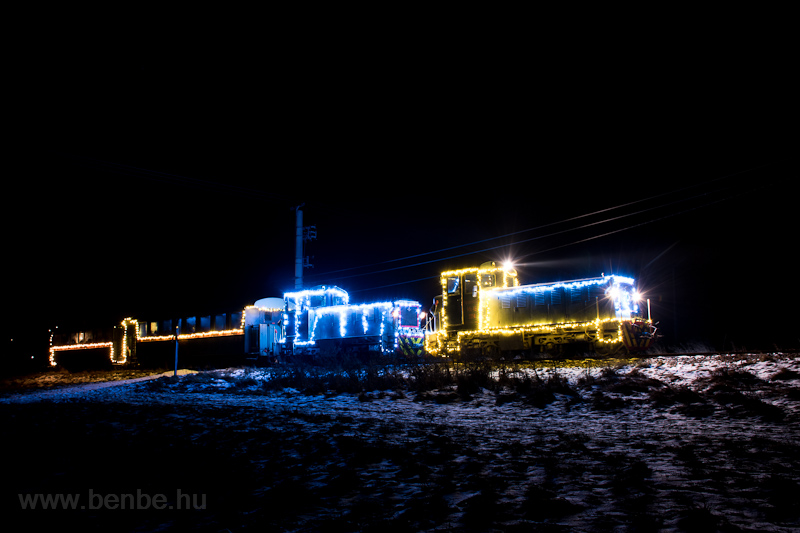Fények Fotósvonata: A Királyréti Erdei Vasút Mk48 2031 Szokolya-Riezner és Paphegy között fotó