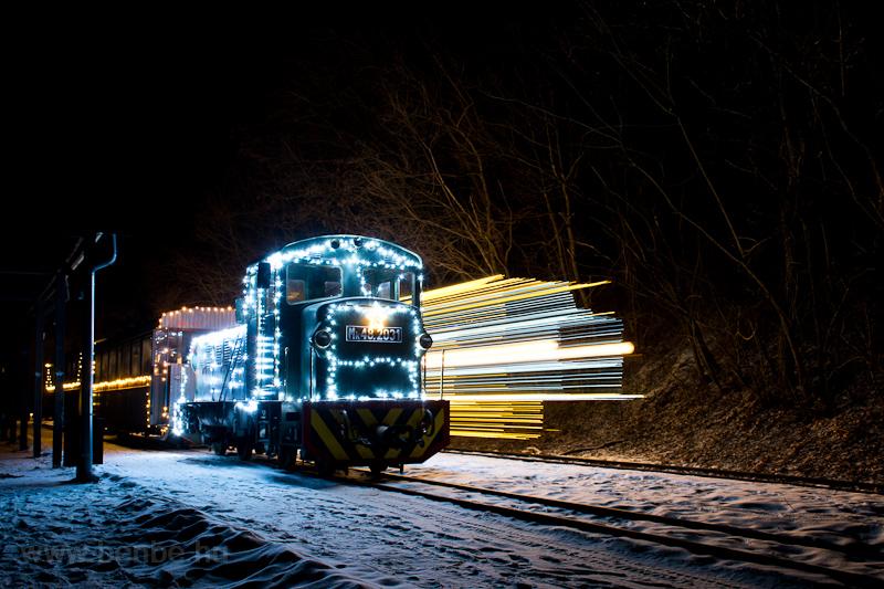 Fények Fotósvonata: A Királyréti Erdei Vasút Mk48 2031 + Mk48 2014 Királyrét állomáson fotó