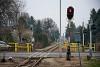 A 7-es út átjáróját fedező jelző Balatonfenyves GV állomáson