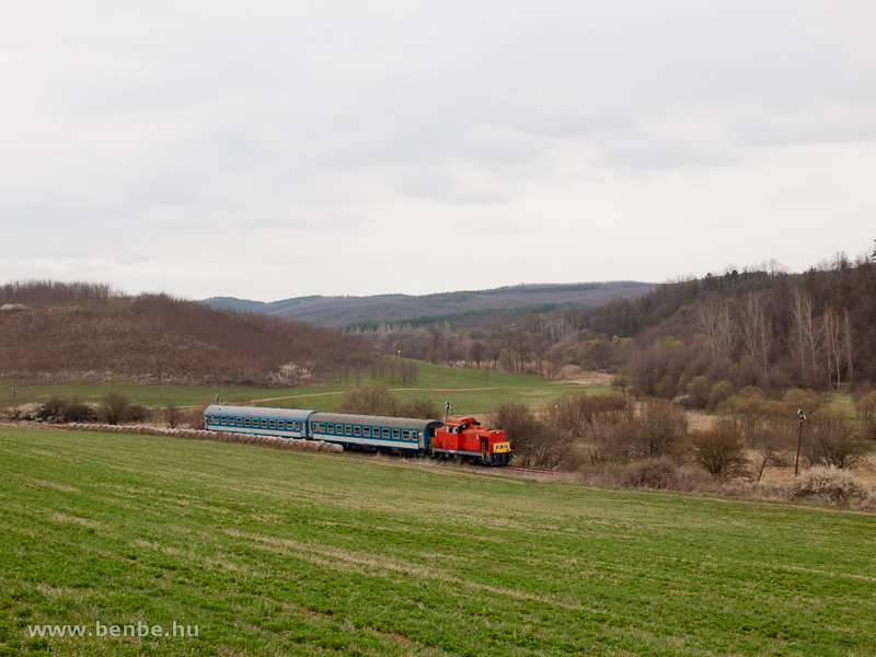 The MÁV-Trakció Zrt.'s 478 032 (ex-M47 2032) between Mátramindszent and Mátraballa photo