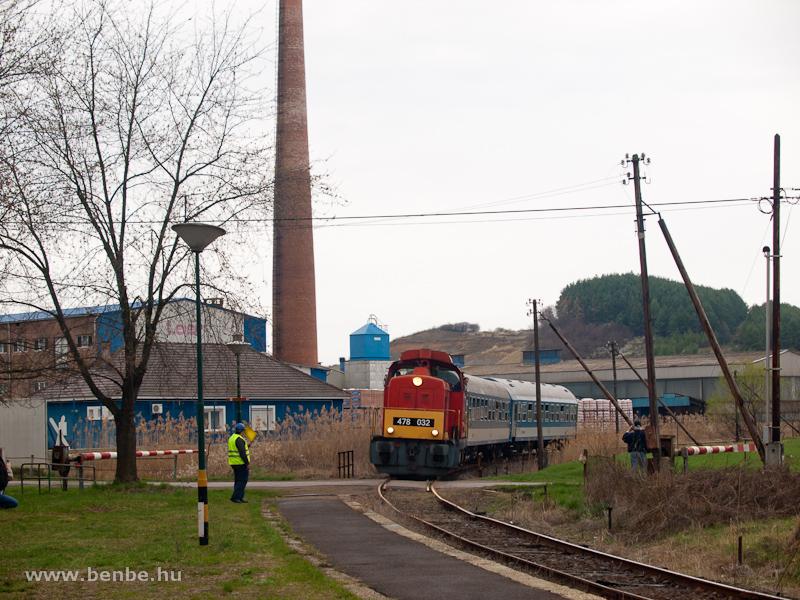 A MÁV-Trakció Zrt. 478 032 (ex-M47 2032) pályaszámú Dácsiája Mátraderecske megállóhelynél fotó
