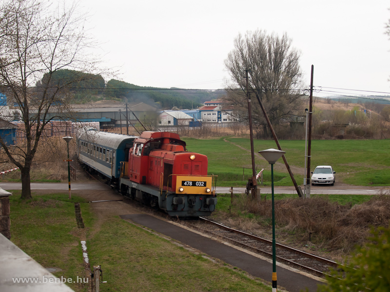 The MÁV-Trakció Zrt.'s 478 032 (ex-M47 2032) at Mátraderecske stop photo