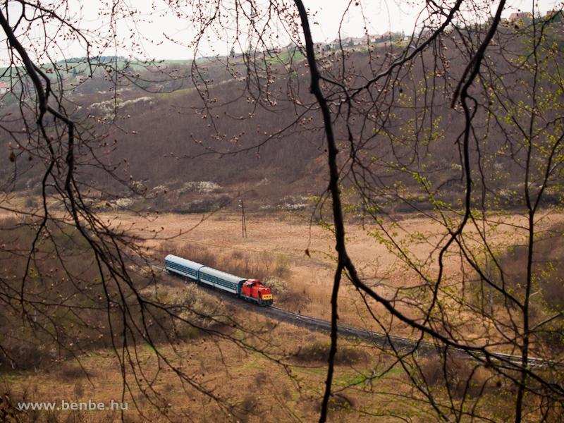 A MÁV-Trakció Zrt. 478 032 (ex-M47 2032) pályaszámú Dácsiája Mátraderecske és Recsk-Parádfürdő között a Kanázsvárnál fotó