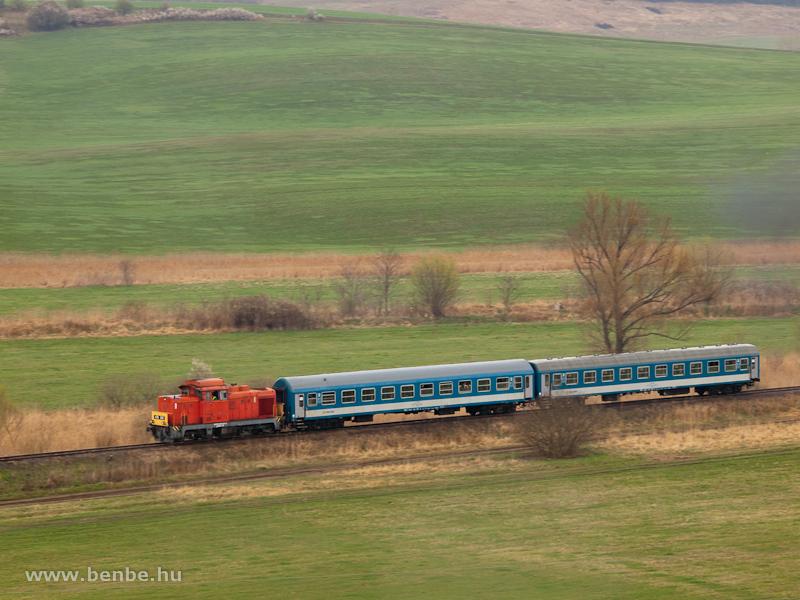 A M�V-Trakci� Zrt. 478 032 (ex-M47 2032) p�lyasz�m� D�csi�ja M�traderecske �s M�traballa k�z�tt fot�