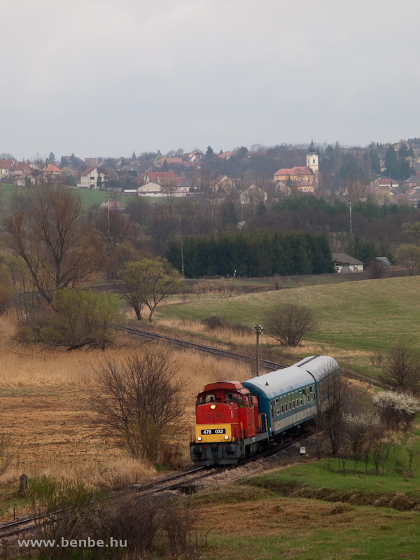 The MÁV-Trakció Zrt.'s 478 032 (ex-M47 2032) between Mátraderecske and Mátraballa photo