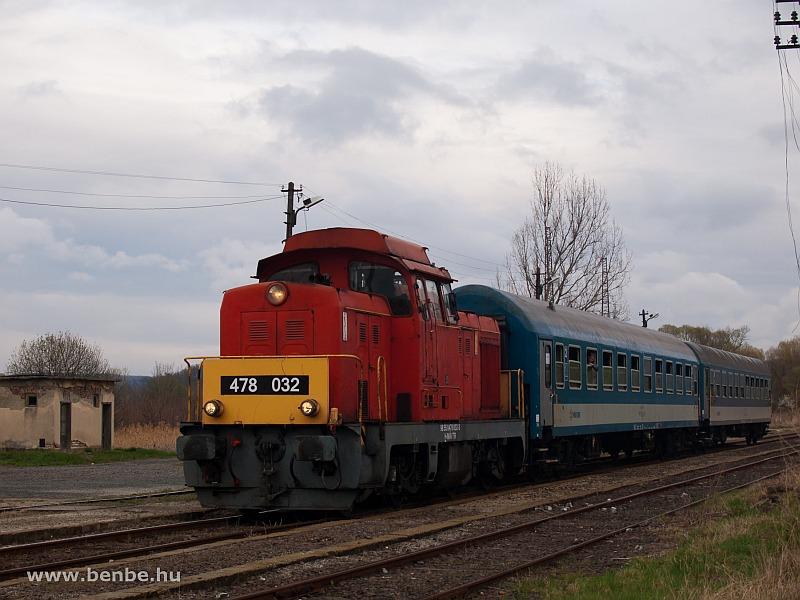 A MÁV-Trakció Zrt. 478 032 (ex-M47 2032) pályaszámú Dácsiája Mátramindszent állomáson fotó