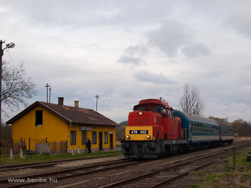 The MÁV-Trakció Zrt.'s 478 032 (ex-M47 2032) at Mátramindszent station photo