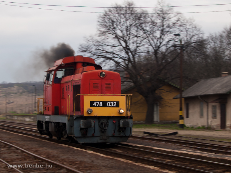 The MÁV-Trakció Zrt.'s 478 032 (ex-M47 2032) at Kisterenye station photo