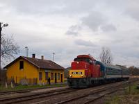 A MÁV-Trakció Zrt. 478 032 (ex-M47 2032) pályaszámú Dácsiája Mátramindszent állomáson