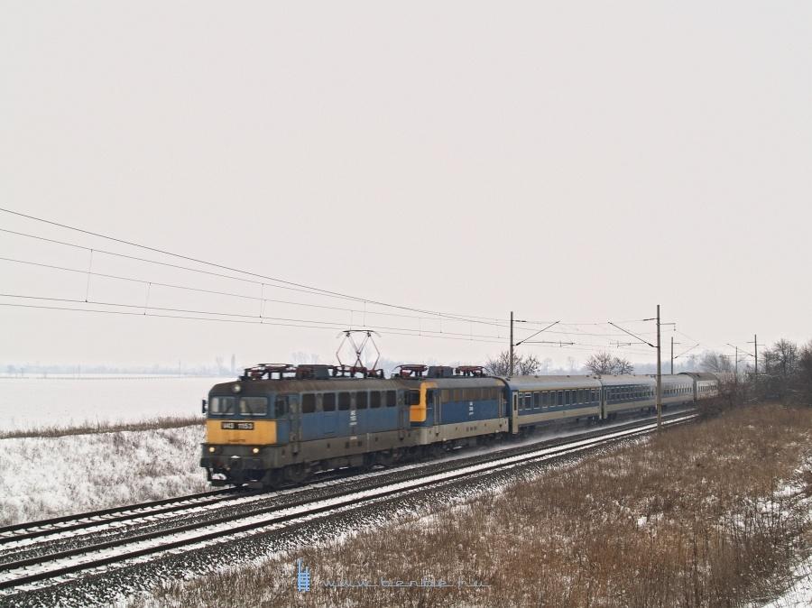 V43 1153 Pettend és Baracska között a Venezia EN-tal fotó