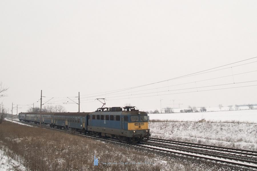 V43 1342 Baracska és Pettend között fotó