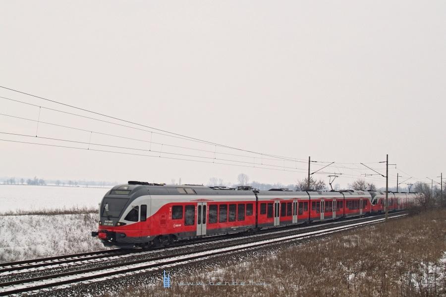 5341 057-8 Pettend és Baracska között fotó