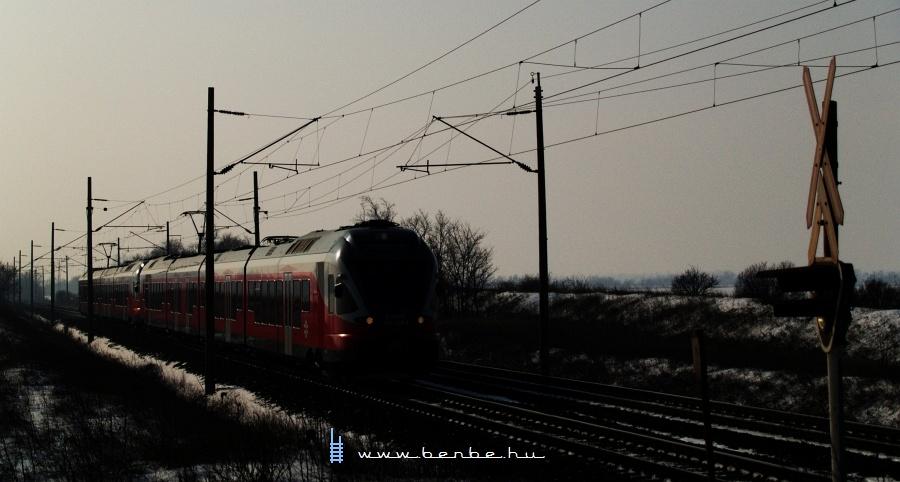 5341 028-8 Pettend és Baracska között fotó