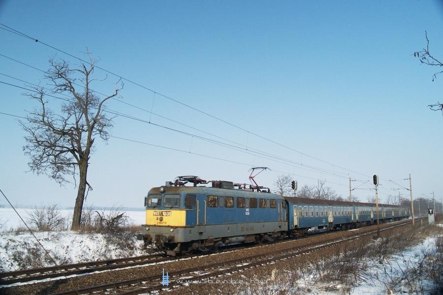 V43 1335 Baracska és Pettend között fotó
