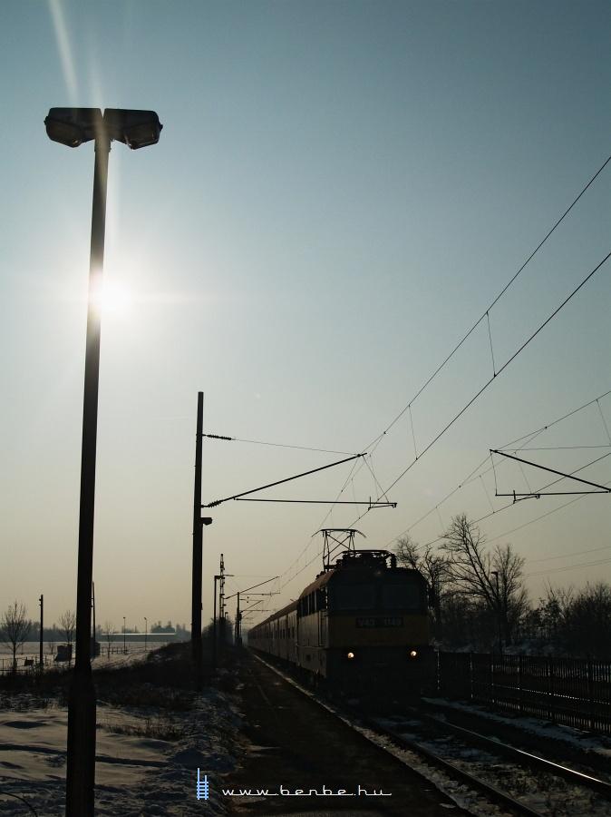 V43 1149 Pettend megállóhelyen fotó