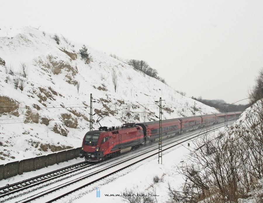Az ÖBB 1116 211-es  railjet  Szárnál fotó