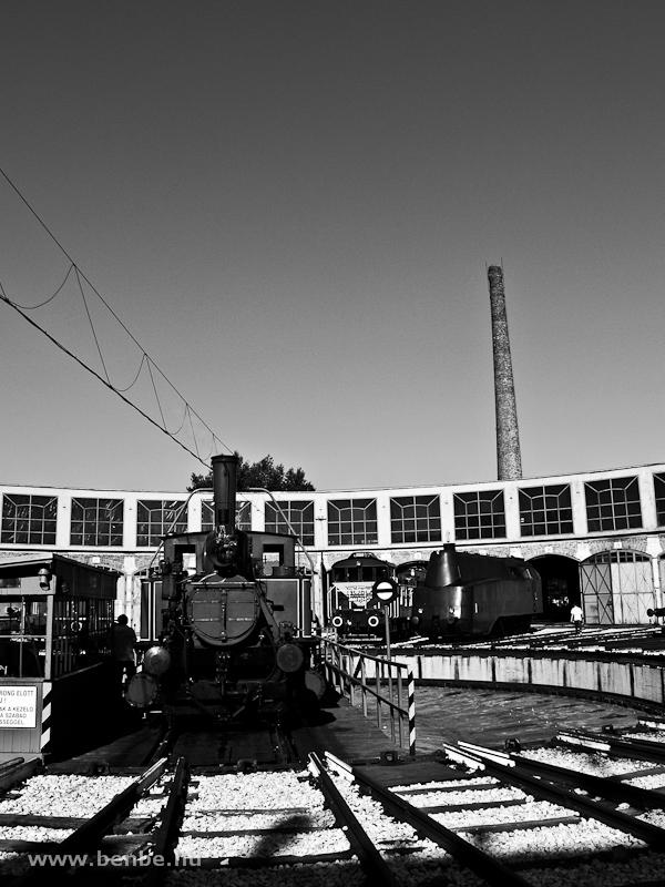 Időutazás - régi mozdo fotó