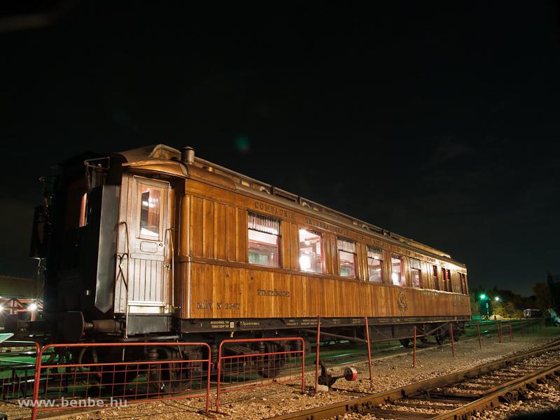 The MÁV number 2347 teak CIWL dining car at the Füsti photo