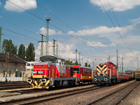 The M47 1225 is hauling refurbished Bzx trailers from Szolnok to home at Ferencváros station
