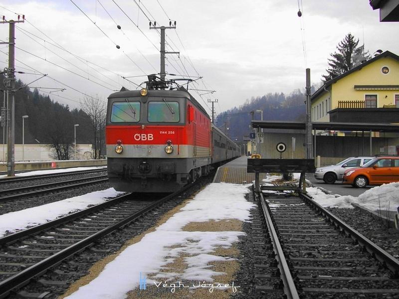 Az ÖBB 1144 256 Hopfgarten állomáson fotó