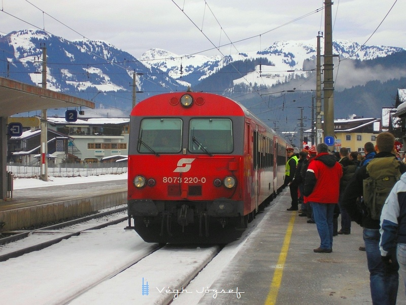 Az ÖBB 8073 220-0 pályaszámú vezérlőkocsi Kirchber in Tirol állomáson fotó
