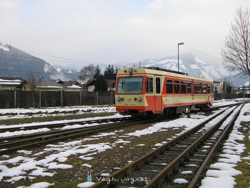 Az ÖBB Pinzgauer Lokalbahn 5090 002-2 pályaszámú motorkocsija Zell am See állomás fűtőházánál fotó