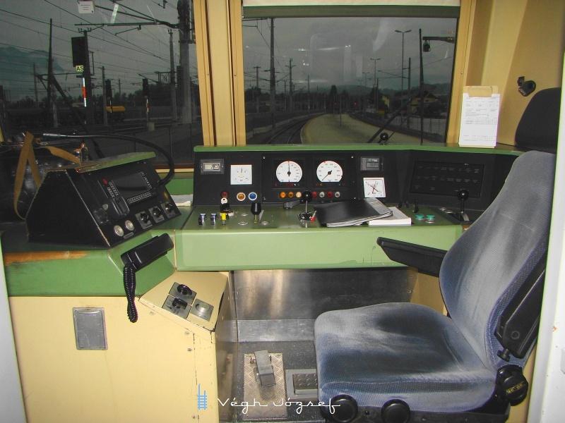 8073 031-1 vezetőállása fotó