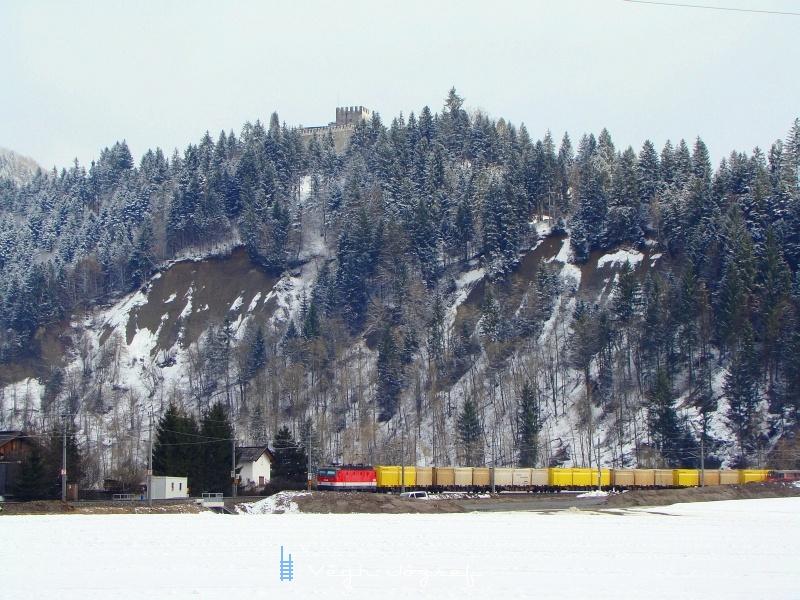 A 1144 243-3 Hopfgarten és Wörgl között, tehervonatával fotó