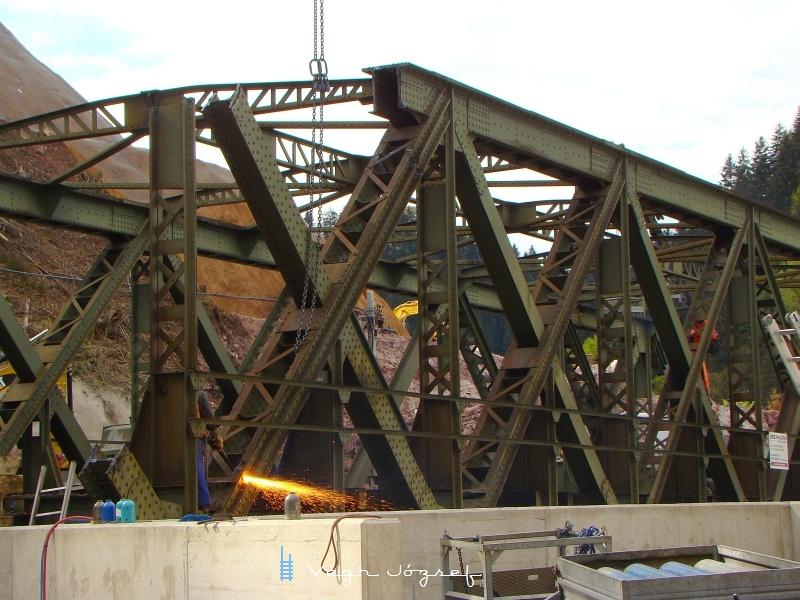 A hidat a helyszínen feldarabolták, majd azután került elszállításra fotó