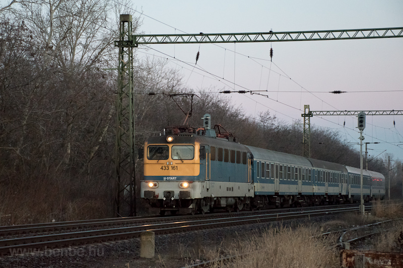 The MÁV-START 433 161 seen  photo
