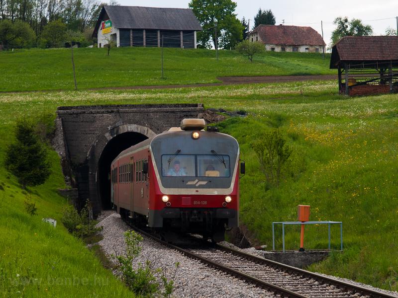 A SŽ 814 126 Šentvid pri Gobelnem és Smarje pri Jelšah között az alagútnál fotó