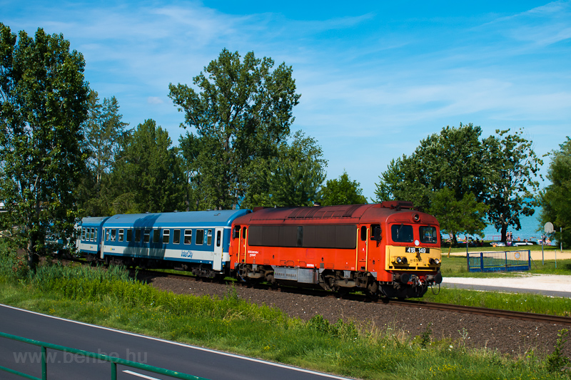 The MÁV-START 418 149 seen between Szepezdfürdő and Révfülöp photo