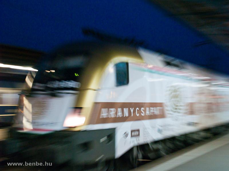 A MÁV-TR 470 010 (ex 1047 010) Aranycsapat-mozdony Budapest-Keleti pályaudvaron fotó
