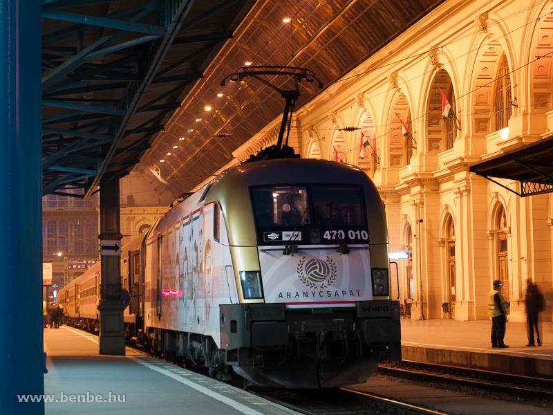 A M�V-TR 470 010 (ex 1047 010) Aranycsapat-mozdony Budapest-Keleti p�lyaudvaron fot�