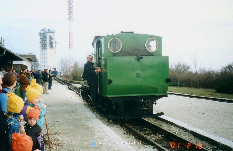 A Déli Vasút színeire fényezett 490,056 Széchenyi-hegyen fotó