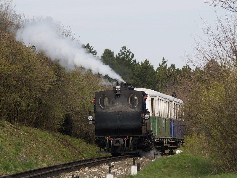 A Gyermekvasút 490,039 pályaszámú gőzöse Széchenyi-hegyen fotó