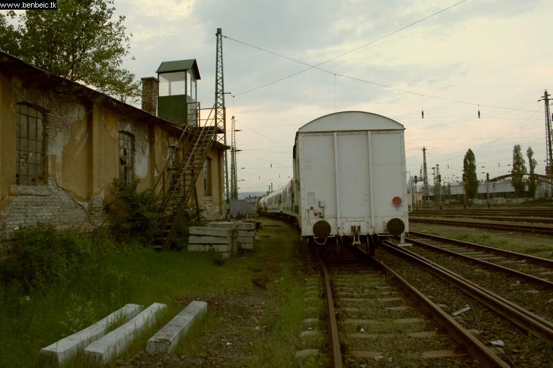 A gyomírtó szerelvény hátulja Ferencvárosban fotó
