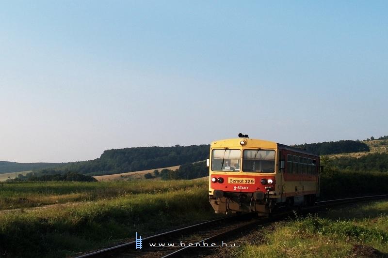 Bzmot 329 Becske és Magyarnándor között fotó