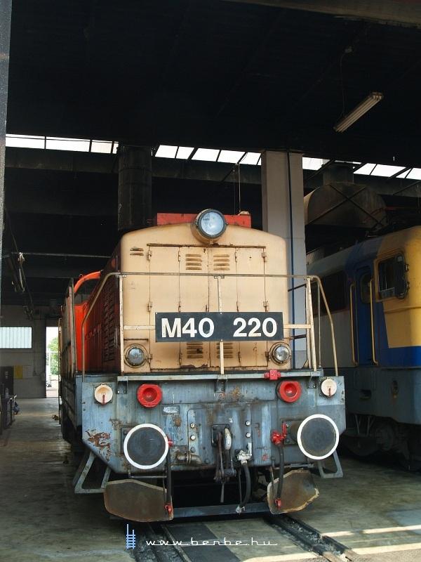 M40 220 a hatvani fűtőházban fotó