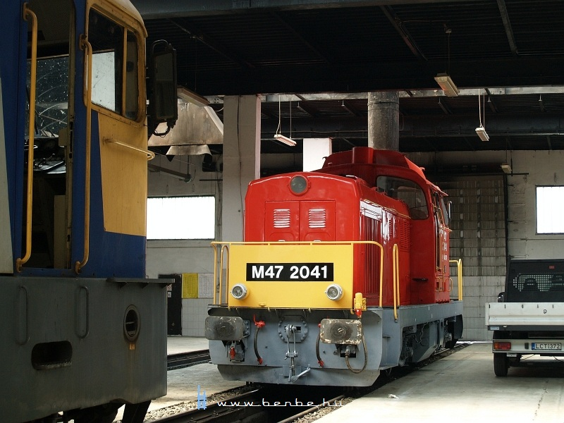 There's another guy waiting in the depot: M47 2041 photo