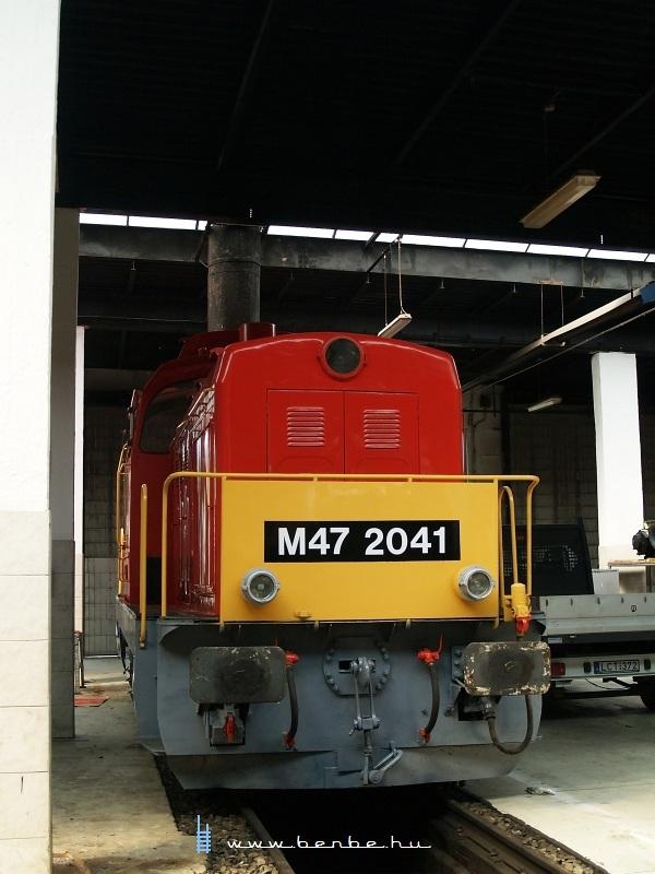 Van még egy srác a fűtőházban: M47 2041 fotó